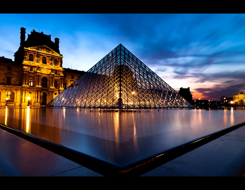louvre_by_night_3_by_lemex-d3b8wsu